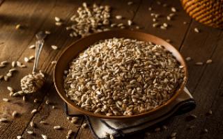Витамины в семечках подсолнуха и в тыквенных семечках