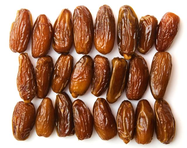 Какие витамины в финиках?