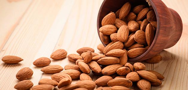 Какие витамины в миндале?