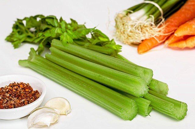 Какие витамины в сельдерее?