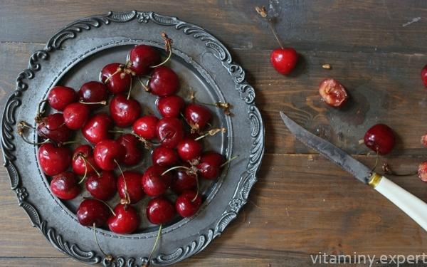 Какие витамины содержатся в вишне?