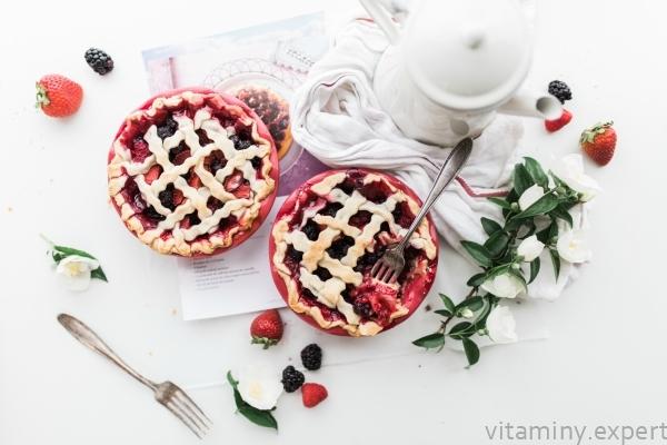 Витамины в ягодах (свежих и замороженных): таблица