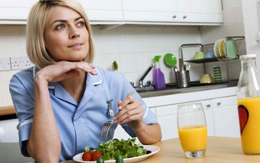 Для чего полезен женщинам витамин Е?