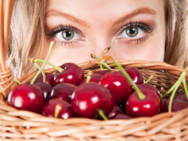 Какие витамины в черешне?