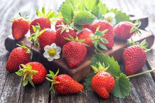 Какие витамины содержит земляника?