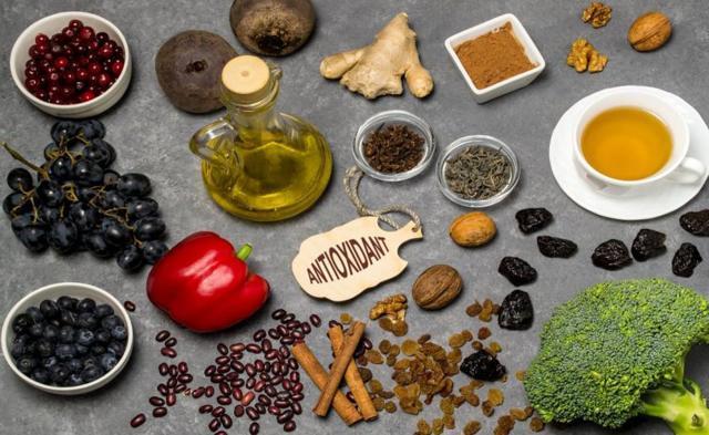 Витамины для пожилых людей старше 60, 70, 80 лет: список названий