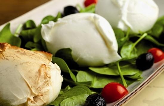 Сыр моцарелла: польза и вред для здоровья