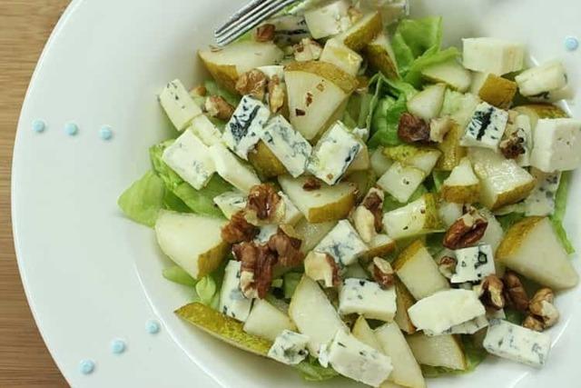 Сыр с плесенью: польза и вред для организма