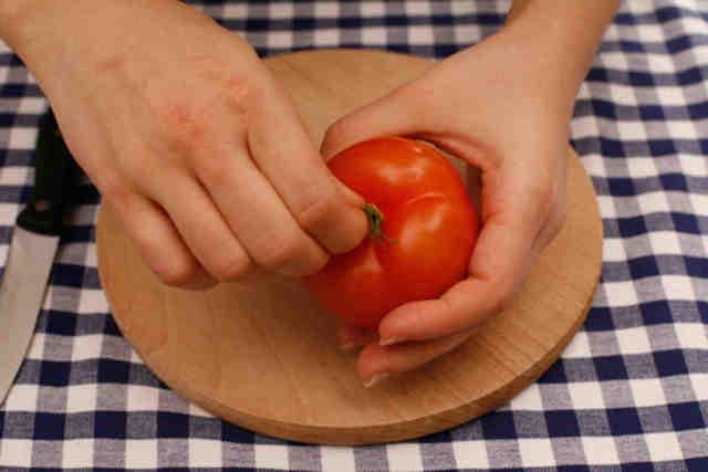 Как снять шкурку с помидора: 6 способов