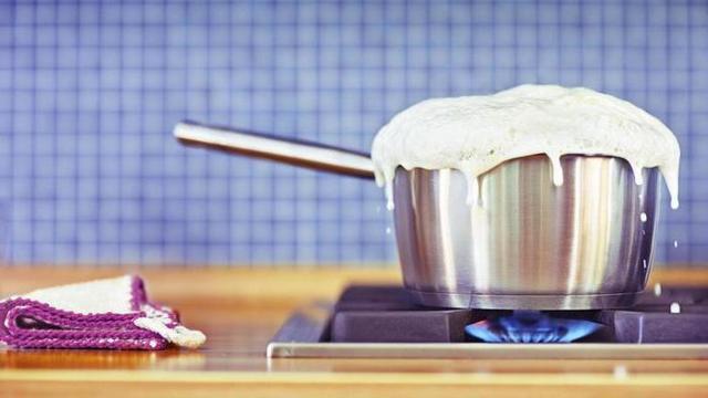 Как правильно кипятить молоко