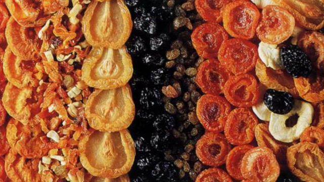 Сушеные груши: польза и вред для организма