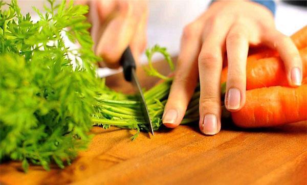 Чем полезна морковь для мужчин и женщин, в каком виде ее лучше употреблять