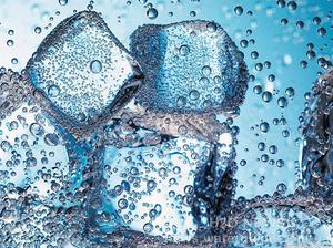 Талая вода: польза и вред для организма
