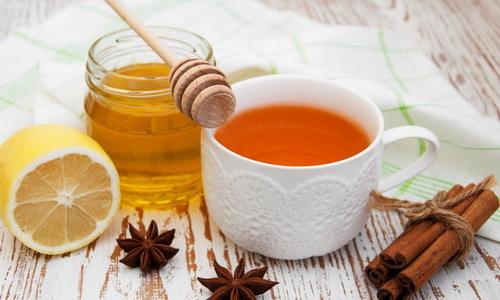 Чай с медом: польза и вред для здоровья