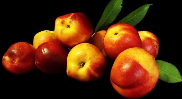 Нектарин: польза и вред для здоровья организма