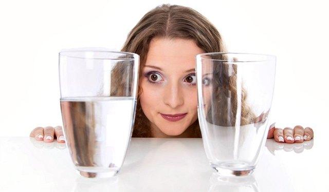 Вода с содой натощак: польза и вред для здоровья