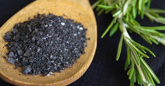 Черная соль: польза и вред для организма