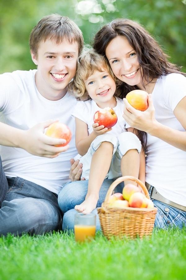 Яблочный сок: польза и вред организма