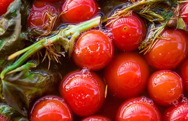Соленые помидоры: польза и вред для организма