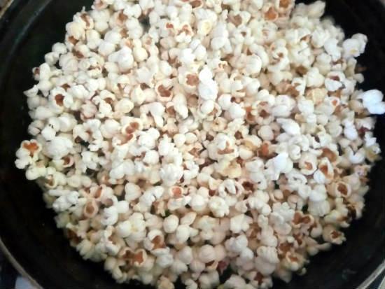 Попкорн: польза и вред для организма человека