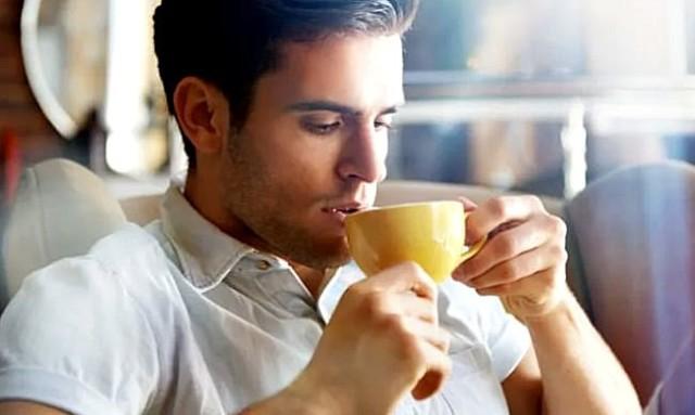 Чай из листьев смородины: польза и вред