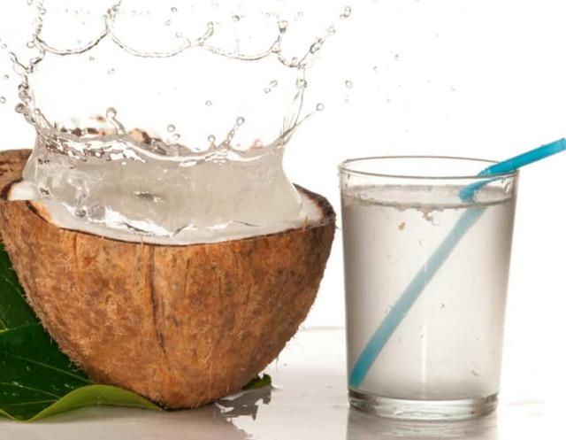 Кокос: польза и вред для организма человека