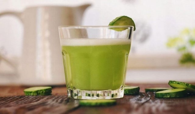 Огуречный сок: польза и вред для организма