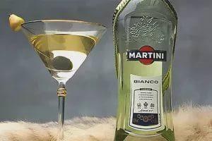 Как правильно пить мартини: чем запивать и закусывать